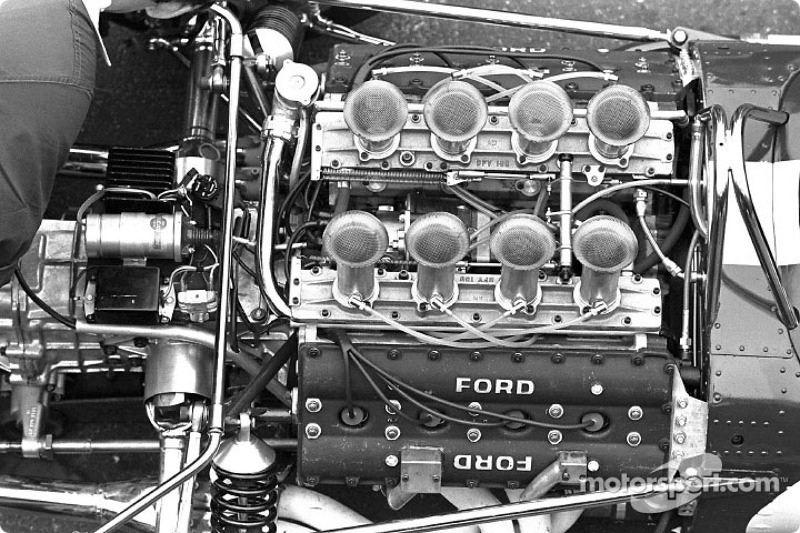 De drieliter Ford DFV V8 in de Lotus 49.