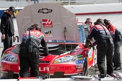 Stewart-Haas Racing Chevrolet crew members