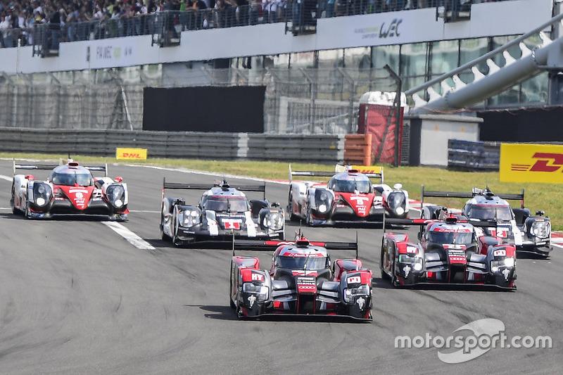 Start: #7 Audi Sport Team Joest, Audi R18