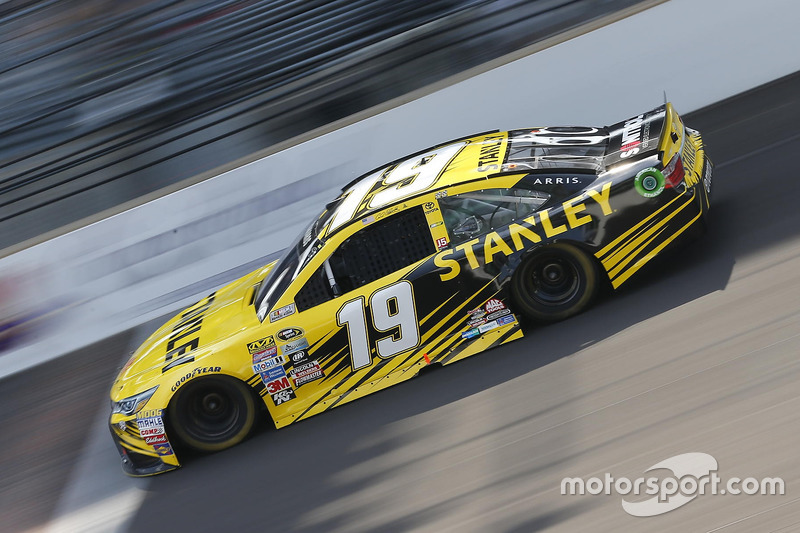 Carl Edwards - Joe Gibbs Racing – Toyota