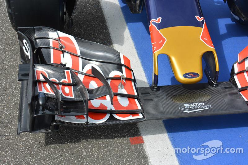 Scuderia Toro Rosso STR11, l'ala anteriore