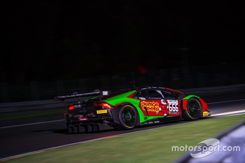 17. #666 Barwell Motorsport, Lamborghini Huracan GT3: Phil Keen, Jon Minshaw, Joe Osborne, Oliver Gavin