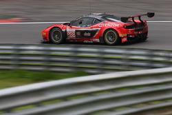#888 Kessel Racing, Ferrari F458 Italia GT3: Marco Zanuttini, Liam Talbot, Vadim Glitin, Nicola Cadei