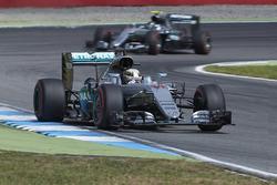 Lewis Hamilton, Mercedes AMG F1 W07 Hybrid and Nico Rosberg, Mercedes AMG F1 W07 Hybrid