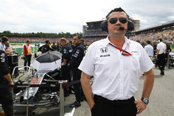 Eric Boullier, McLaren Racing Director on the grid
