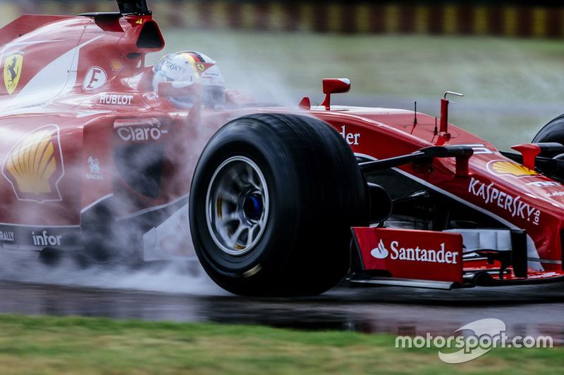 2.228 Kilometer: Sebastian Vettel