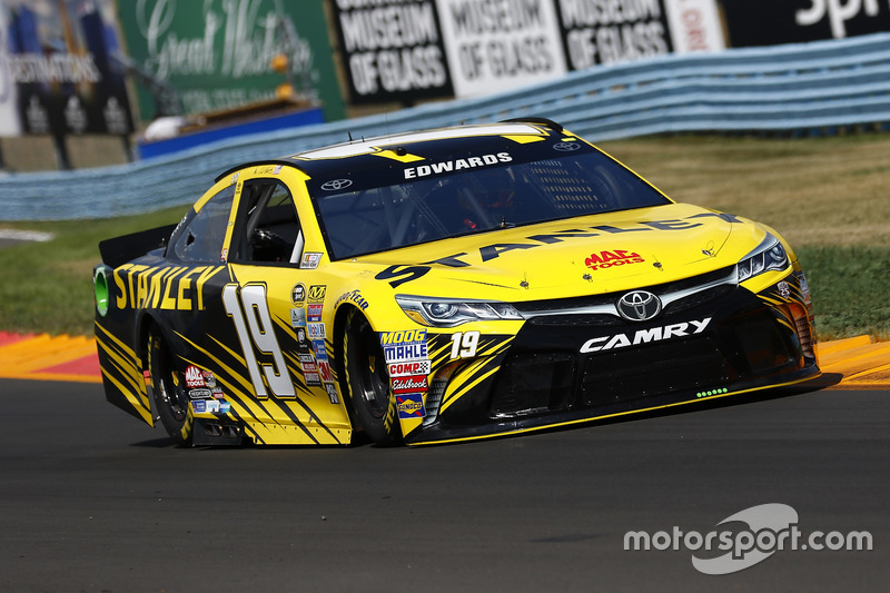 15. Carl Edwards, Joe Gibbs Racing, Toyota