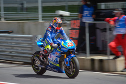 Maverick Viñales, Team Suzuki MotoGP in pitlane