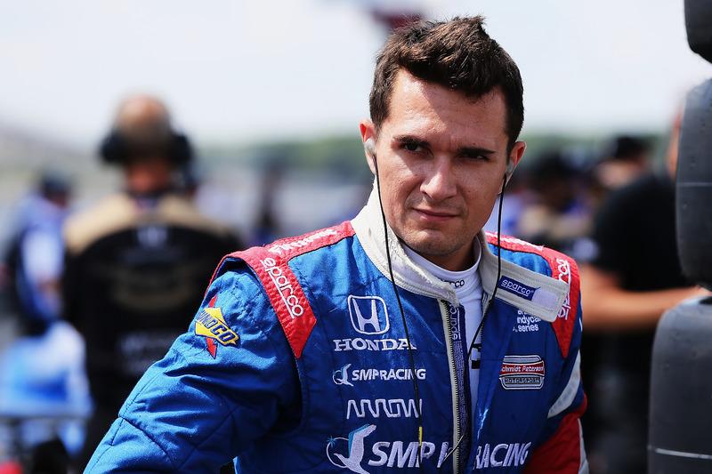 В течение межсезонья долгое время не было понятно, продолжит ли Алешин выступать в IndyCar. Неопределенность сохранялась до февраля, когда команда Schmidt Peterson наконец объявила о подписании контракта