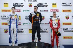 Podium: Sieger Joseph Mawson, Van Amersfoort Racing; 2. Mike David Ortmann, Mücke Motorsport; 3. Mick Schumacher, Prema Powerteam