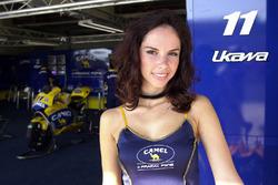 Une charmante hôtesse Pramac Racing