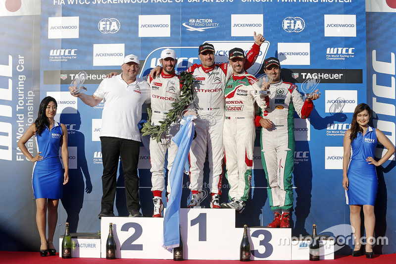 Podio: ganador Yvan Muller, Citroën World Touring Car Team, segundo lugar José María López, Citroën World Touring Car Team, tercer lugar Tiago Monteiro, Honda Racing Team JAS, ganador independiente Mehdi Bennani, Sébastien Loeb Racing