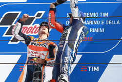 Racewinnaar Dani Pedrosa, Repsol Honda Team, derde plaats Jorge Lorenzo, Yamaha Factory Racing