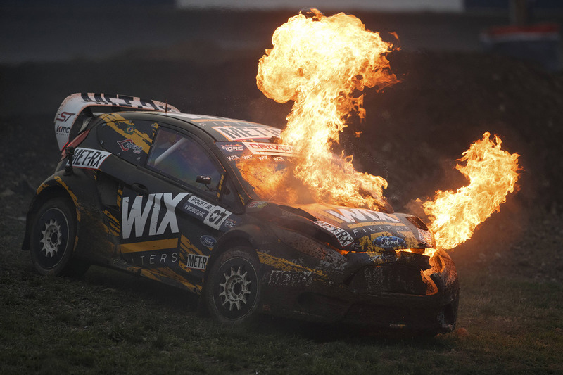 4. Nelson Piquet Jr., SH Racing Rallycross Ford en llamas