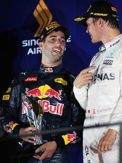 Podium: Sieger Nico Rosberg, Mercedes AMG F1; 2. Daniel Ricciardo, Red Bull Racing