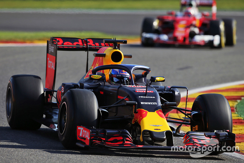 Red Bull RB12, halo in teamkleuren