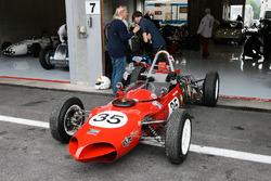 Saturday Grand Prix cars race
