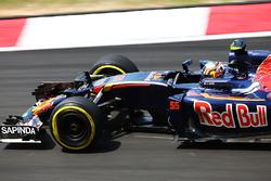 Карлос Сайнс, Scuderia Toro Rosso STR11