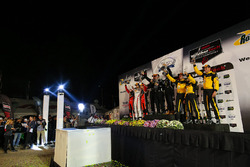 Prototype Challenge Podium: winnaars #52 PR1 Mathiasen Motorsports ORECA FLM09: Robert Alon, Tom Kimber-Smith, Jose Gutierrez, tweede #38 Performance Tech Motorsports ORECA FLM09: James French, Kyle Marcelli, Kenton Koch, derde #85 JDC/Miller Motorsports ORECA FLM09: Misha Goikhberg, Chris Miller, Stephen Simpson
