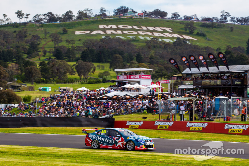 7. Craig Lowndes, Steven Richards, Triple Eight Race Engineering Holden