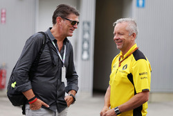 Graeme Lowdon, with Paul Seaby, Renault Sport F1 Team, Team Manager