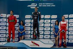 Podio: il vincitore Sébastien Buemi, Renault e.Dams; secondo Lucas di Grassi, ABT Schaeffler Audi Sport; terzo Nick Heidfeld, Mahindra Racing