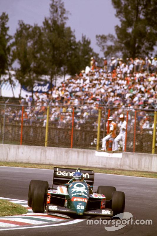 Gerhard Berger, Benetton en la pista del Autódromo Hermanos Rodríguez.