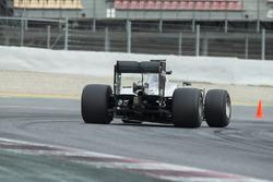 Nico Rosberg, Mercedes F1 Team, mit Pirelli-Reifen für 2017