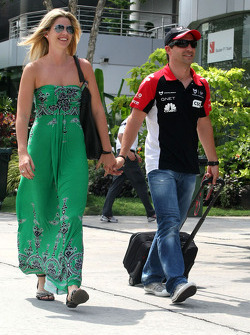 Timo Glock, Virgin Racing and his girlfriend Isabell reis