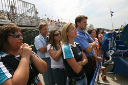 Ambience in the pit of A.J. Allmendinger at the end of the race