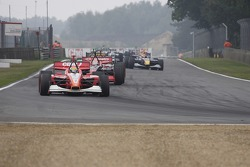 Runden hinter dem Pace-Car: Justin Wilson