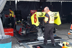 Scott Sharp's rear wing gets attention