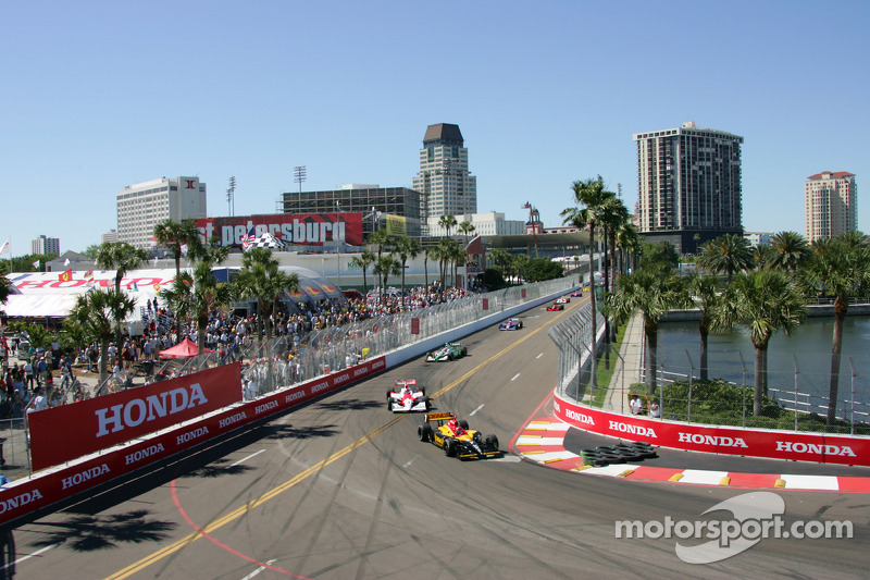 Pace laps: Bryan Herta leads the field