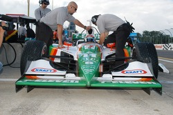 Front of the car of Tony Kanaan
