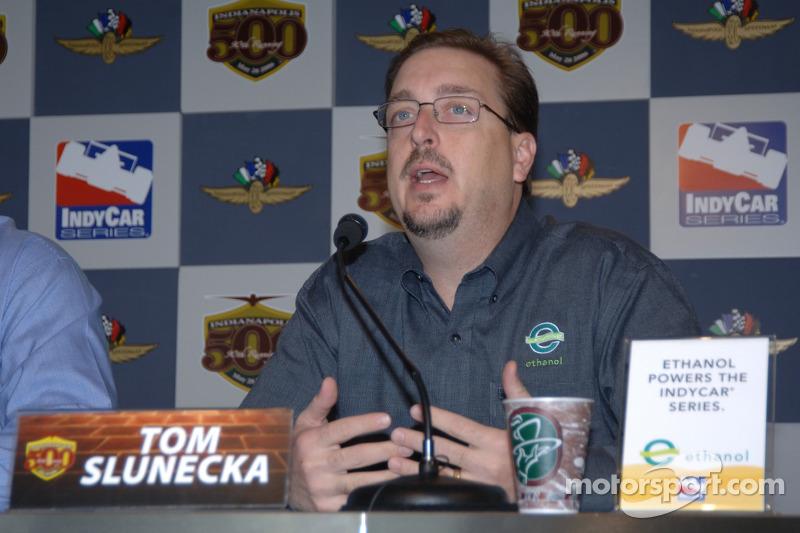 Tom Slunecka, directeur exécutif de Ethanol Promotion et le Conseil d'Information