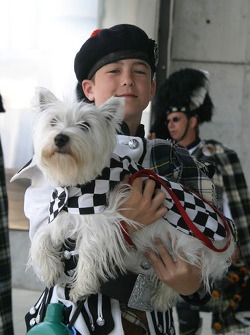 A young member of the Indianapolis 500 Gordon Pipers