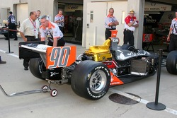 Work on Townsend Bell's car on race morning
