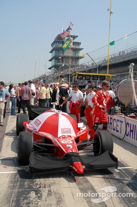 Préparation d'avant-course pour la voiture de Scott Dixon