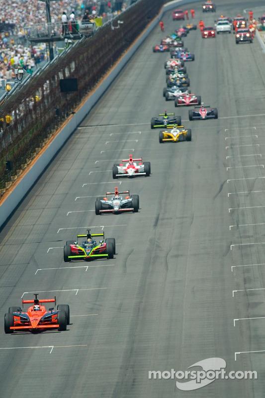 Accident de Tomas Scheckter entraîne la sortie du drapeau jaune