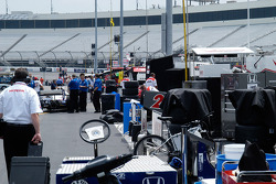 The pits fill, ready to roll for practice