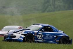 #73 DeMan Motorsport Boxster: Rick DeMan, David Murry after a crash