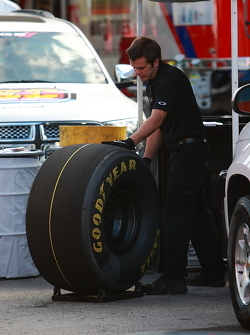 top fuel tire sizing