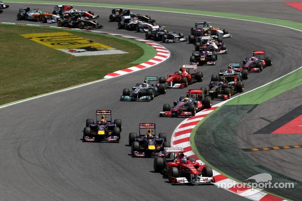 Fernando Alonso, Scuderia Ferrari, F150 leads at the start