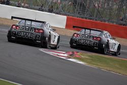 #20 Sumo Power GT Nissan GT-R GT1: Enrique Bernoldi, Warren Hughes #21 Sumo Power GT Nissan GT-R GT1: Jamie Cambell-Walter, David Brabham