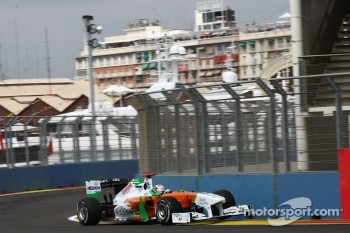 Adrian Sutil beat Vitaly Petrov for tenth place