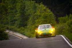 #18 Manthey Racing, Porsche 911 GT3 RSR: Marc Lieb, Lucas Luhr, Romain Dumas, Timo Bernhard