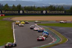 Start: #30 Mamerow / Rowe Racing Mercedes-Benz SLS AMG GT3: Chris Mamerow, Armin Hahne, Pierre Kaffer leads the field