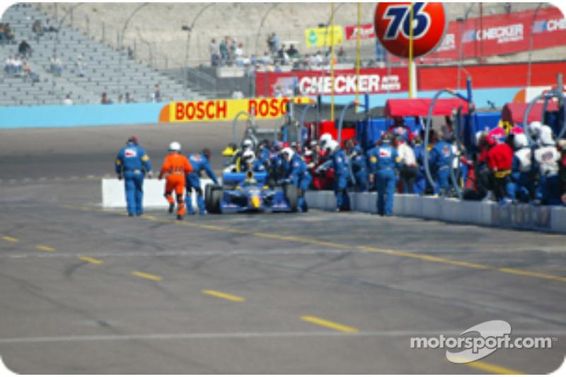 Fin de la journée pour Tomas Scheckter