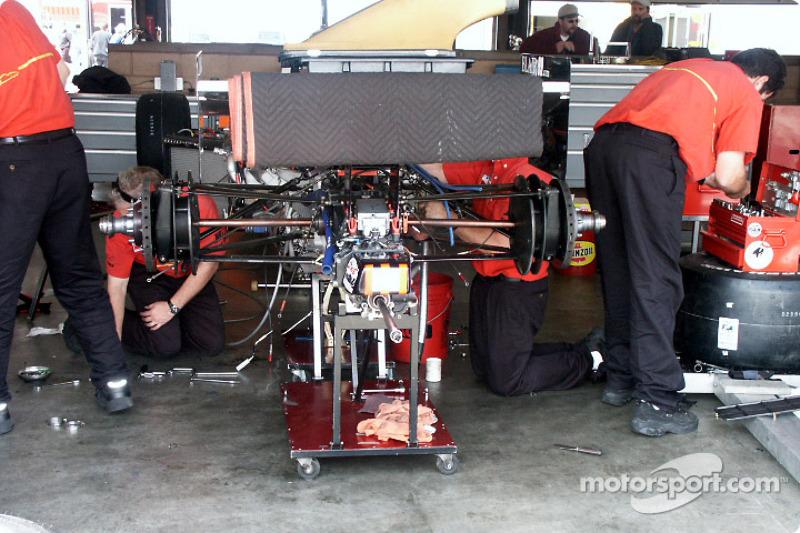 Travail dans le garage