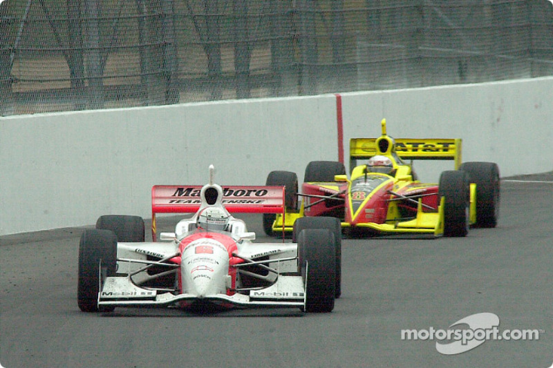 Coming into turn 2, de Ferran runs out of fuel